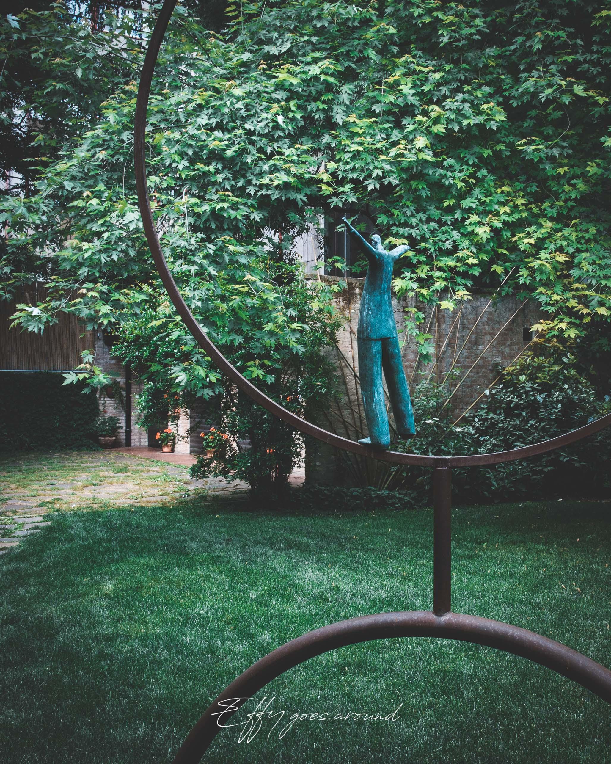 Cerchio della Vita nel giardino liberty di via Poledrelli a Ferrara per Interno Verde